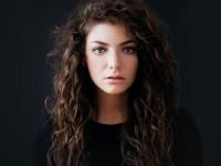 Lorde cantó un par de temas nuevos en 'Saturday Night Live'