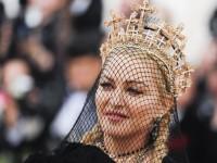 Madonna interpretó Like a prayer durante la MET Gala