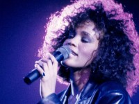 Whitney Houston sufrió de abuso sexual en su infancia