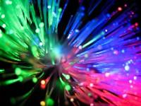 Crean un sistema dos mil veces más veloz que la fibra óptica