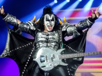 GENE SIMMONS RESUELVE DISPUTA LEGAL A LA QUE SE ENFRENTABA