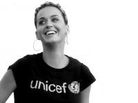 Shakira, Katy Perry y otras estrellas se unen al ritmo de Imagine por una noble causa